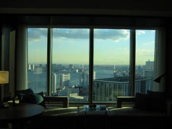 コンラッド東京 窓